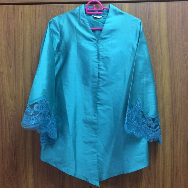 Kebaya Biru Turquoise Women S Fashion Clothes Tops On Carousell