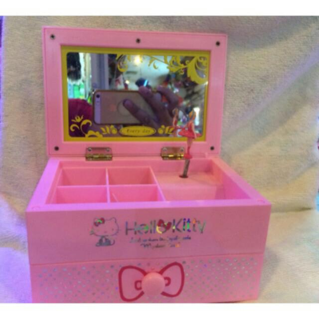 Kitty Music Box