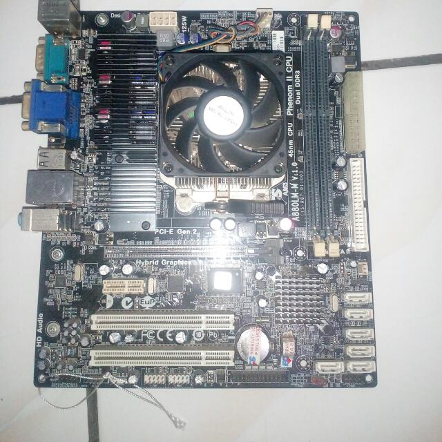 Mainboard A880 + Prosesor Quad-core X4 640