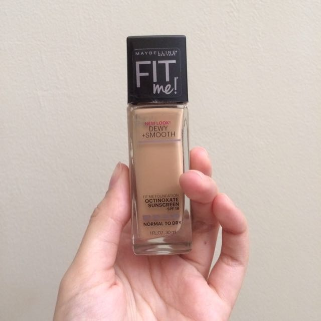 Maybelline Fit Me Foundation Dewy And Smooth