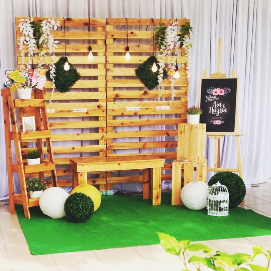 Rustic Garden Old School Wedding Theme Stage Reception Solemnisation