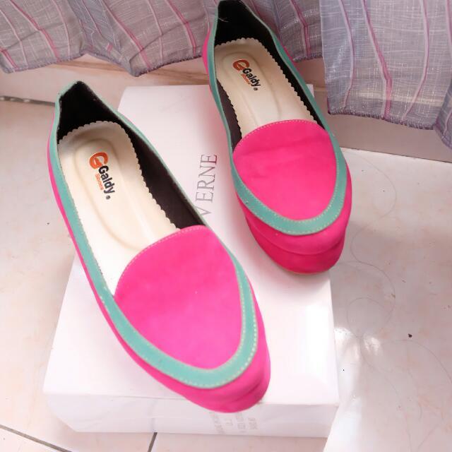 Sepatu Galdy