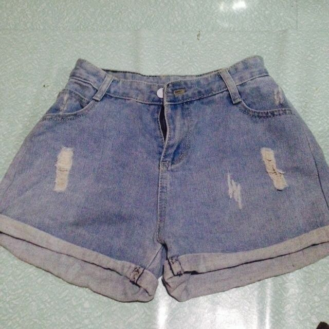 Tattered Highwaist
