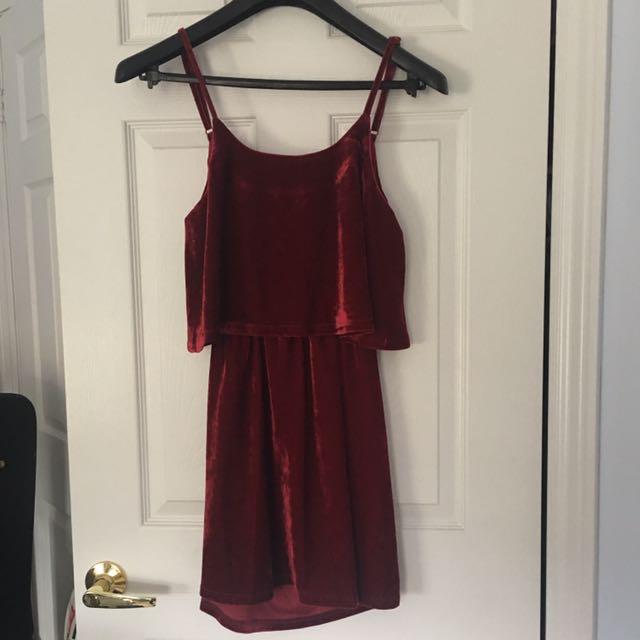Tobi backless velvet dress