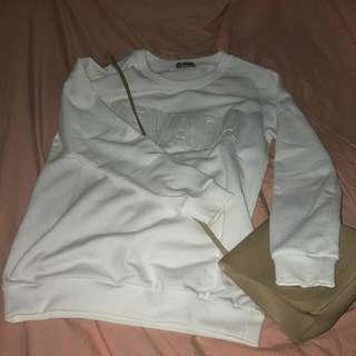 Sweater Nevada Putih