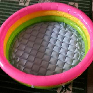 kiddie inflatable pool
