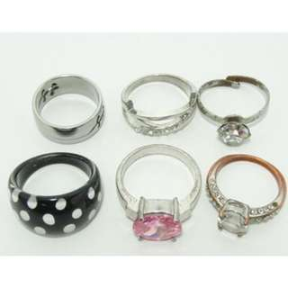 6 Assorted Fashion Rings
