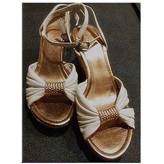 歐美品牌 ZARA 草編金色厚底靴型鞋 ※QD180AQ※