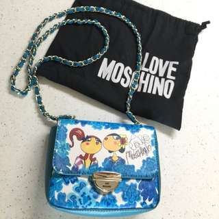 Moschino crossbody (100% real)