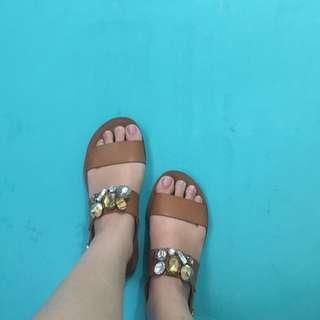Pvra Sandals