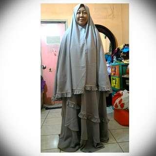 Baju Muslim Syar'i Shaqeena Grey