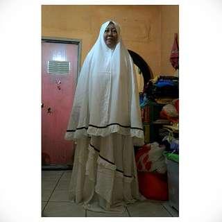 Baju Muslim Syar'i Shaqeena Putih