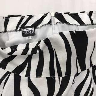 Small Black printed skirt