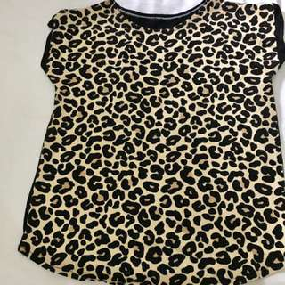 Animal print small blouse