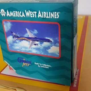 1/400 American West B757