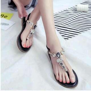 ✨全新✨亮麗水鑽平底涼鞋(37)