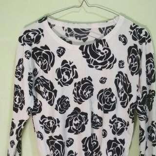Sweater Bunga Rose
