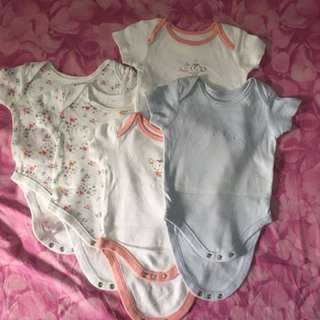 Mothercare 0-3 mos baby clothes 5pcs for Php 500.00