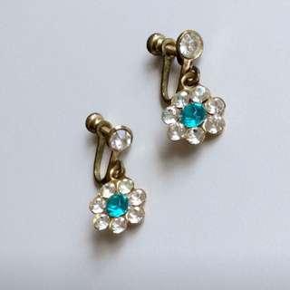 1960年代美國古董晴空藍清澈星鑽萊茵石輕盈花朵小墜栓鎖耳環