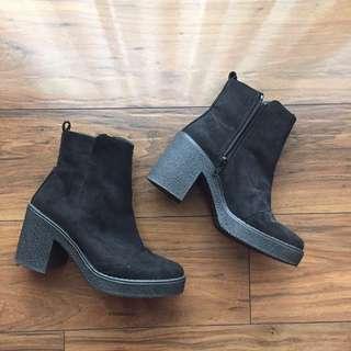 TOPSHOP Zip-up Boots Size 36