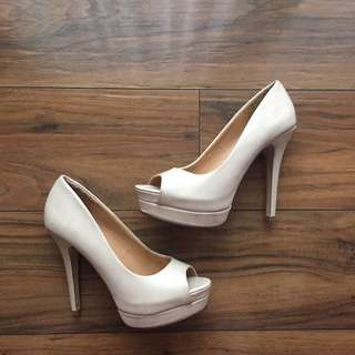 CALL IT SPRING Nude Heels Size 36