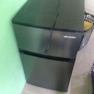 Mini Refrigerator with freezer