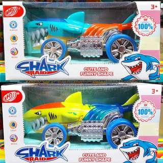 🚚 七彩鯊魚造形電動遙控車 玩具車