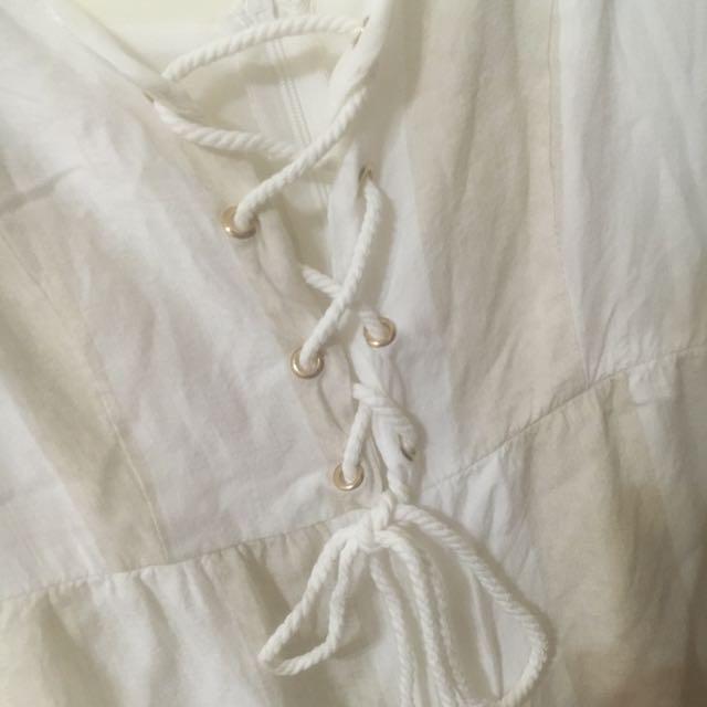 2手海邊穿搭米白連身短褲