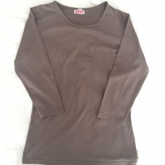 🌻3/4 length brown top
