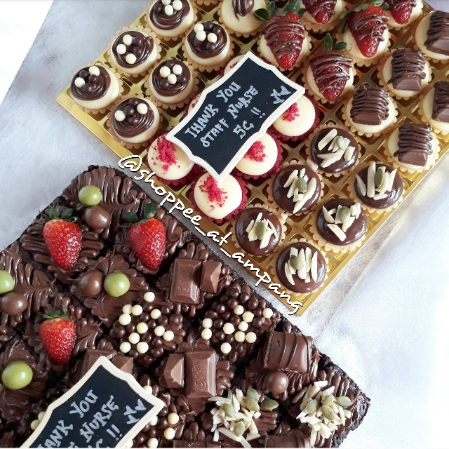 36pcs Assorted Cheese Tart Brownies Nutella With Topping Food Drinks Baked Goods On Carousell