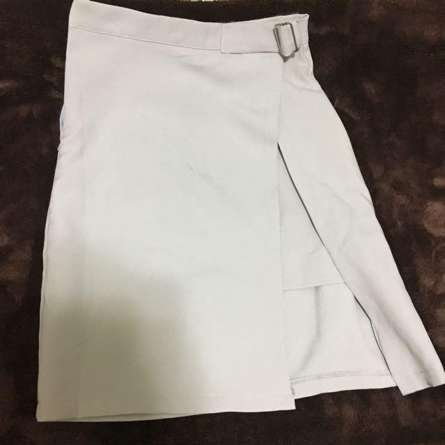 淺藕色半身裙