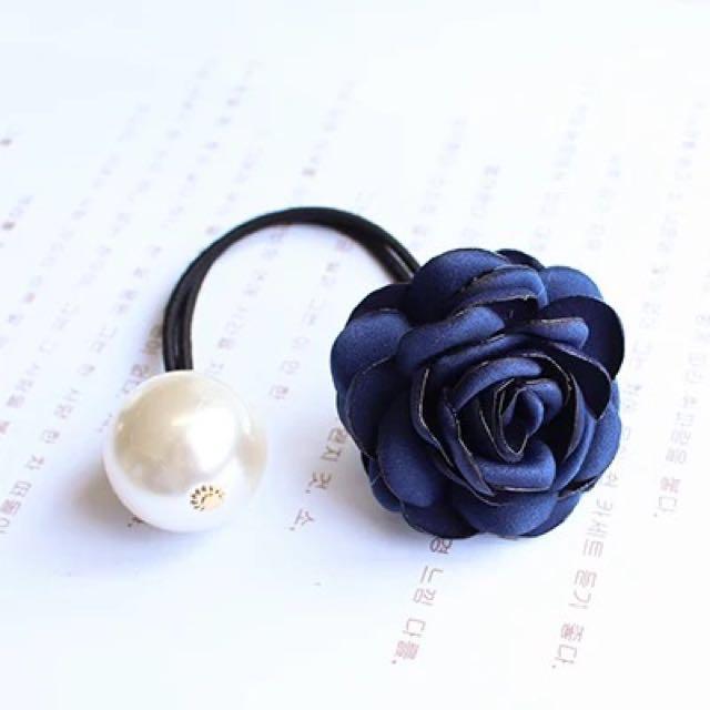 💃🏻韓版 淑女 仿真花 布藝 山茶花 珍珠 髮圈 橡筋圈 Rubberband (5款顏色選擇)