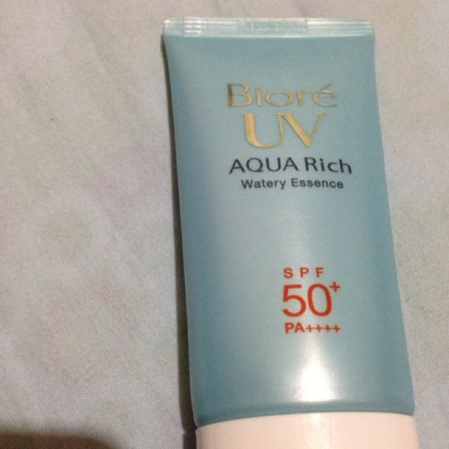 Biore UV Aqua Rich Watery Essence (Sunscreen)