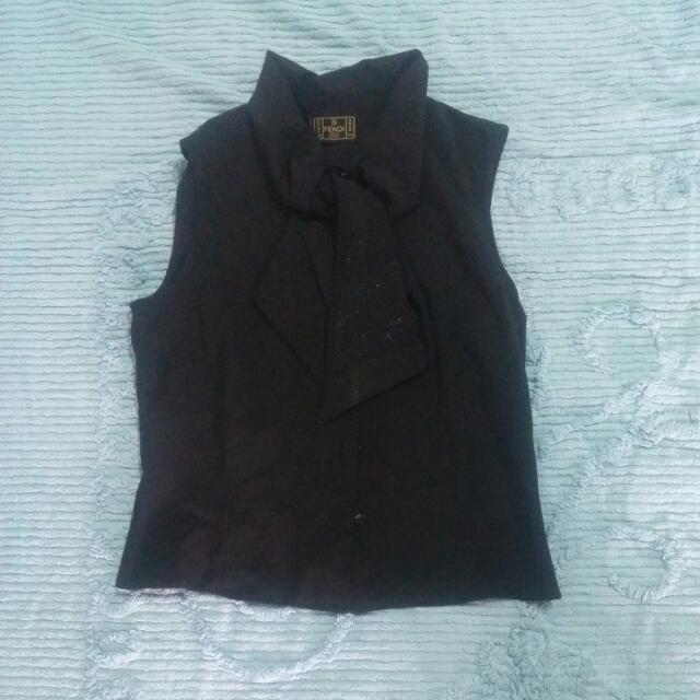 Black sleevesless blouse