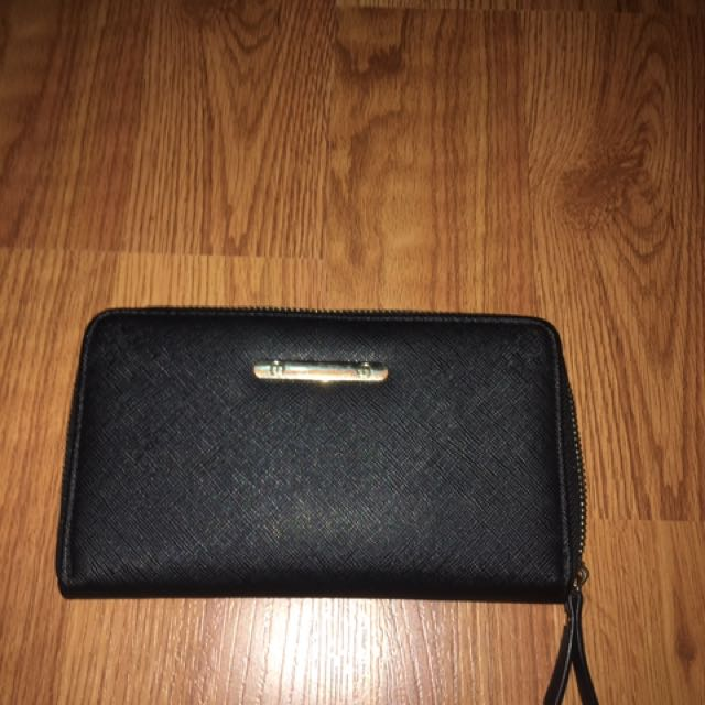 Call lt Spring Wallet