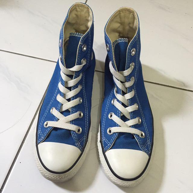 Convers藍色帆布鞋