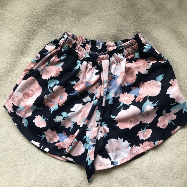 Floral garter shorts