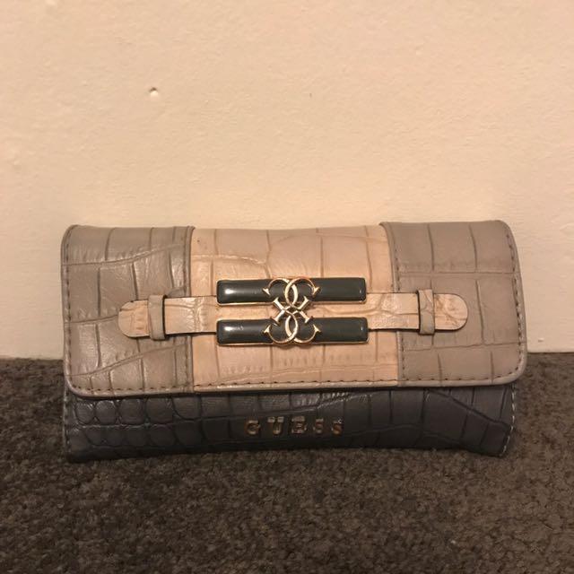 Genuine Guess Wallet - Neutrals