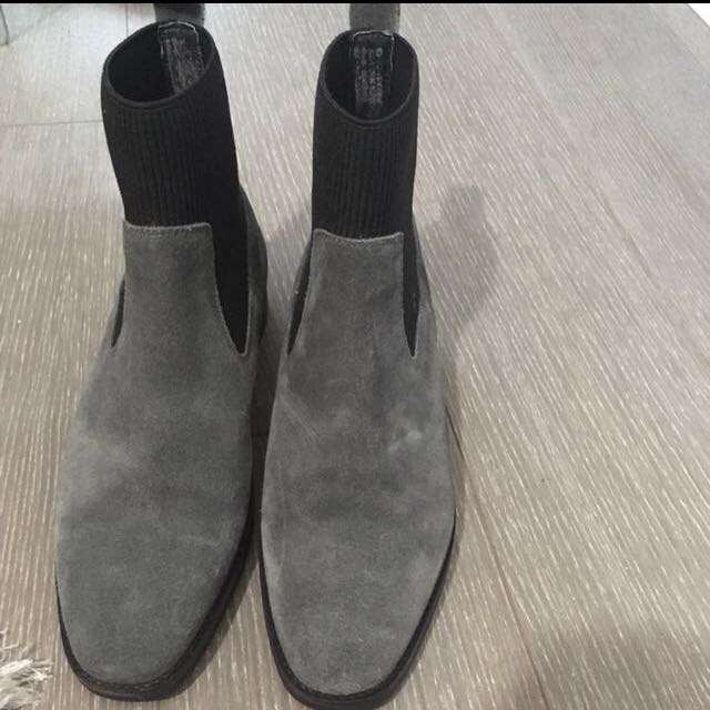 Grey suede booties 5.5US