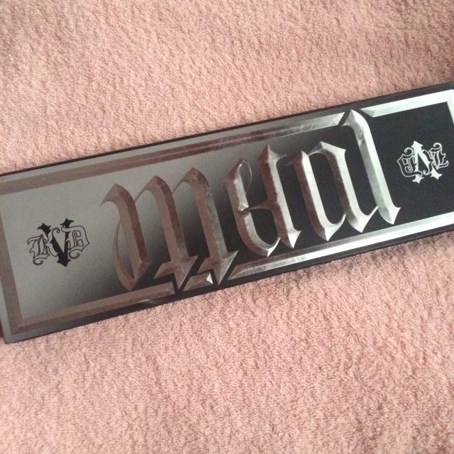 Kat Von D Metal Matte Pallete