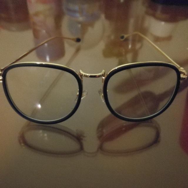 K-Fashion Glasses