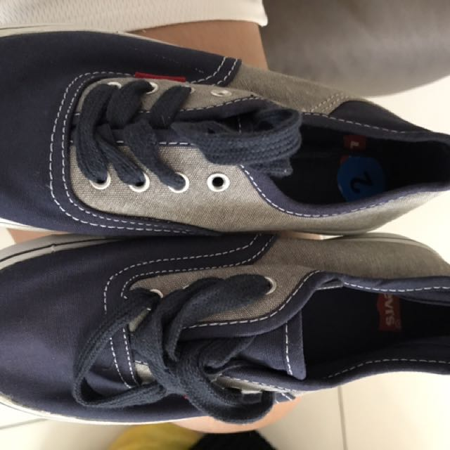 Levi's Sneakers  for kids size 2 US