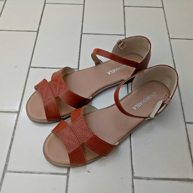 MICHAELA Flat Sandal