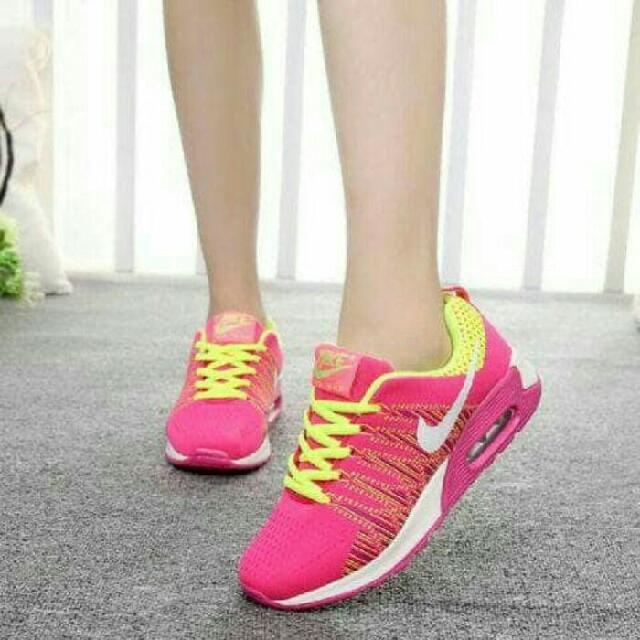 Nike Azuma (pinky)