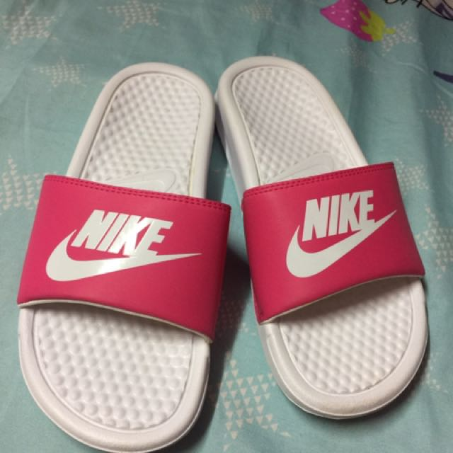 Nike benassi slides pink for women