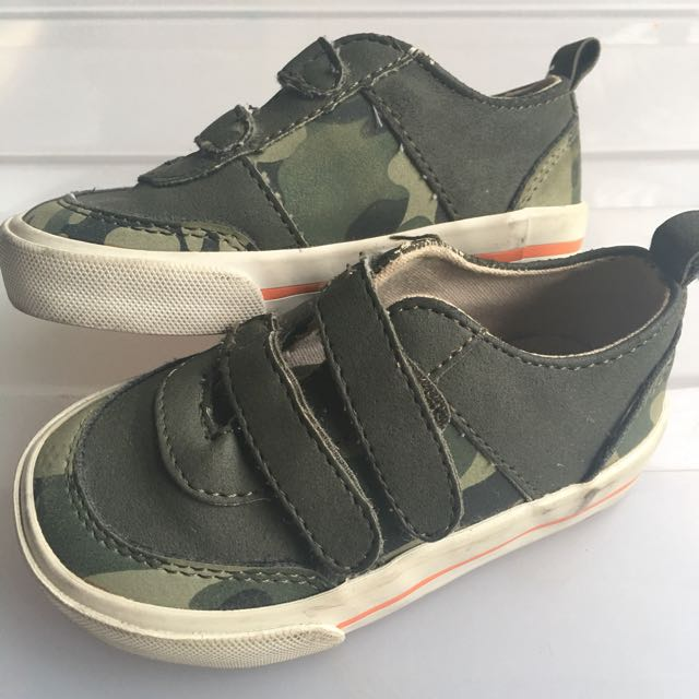 Old Navy Baby Sneakers US5