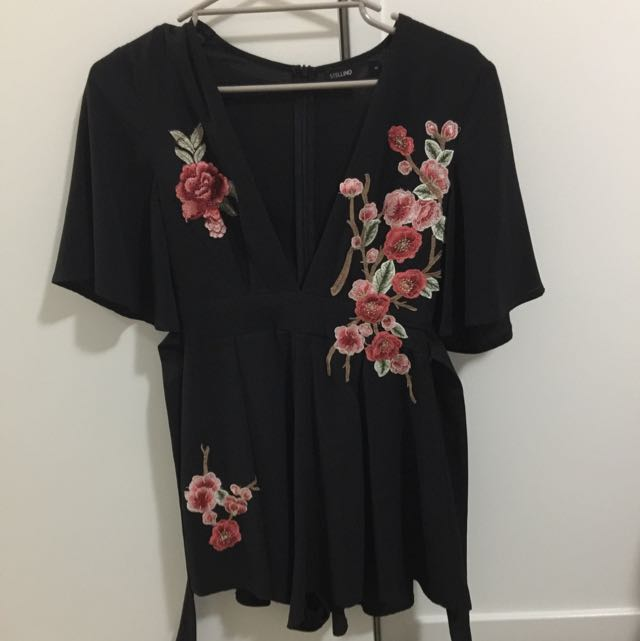 Stellino Play suit Size 8