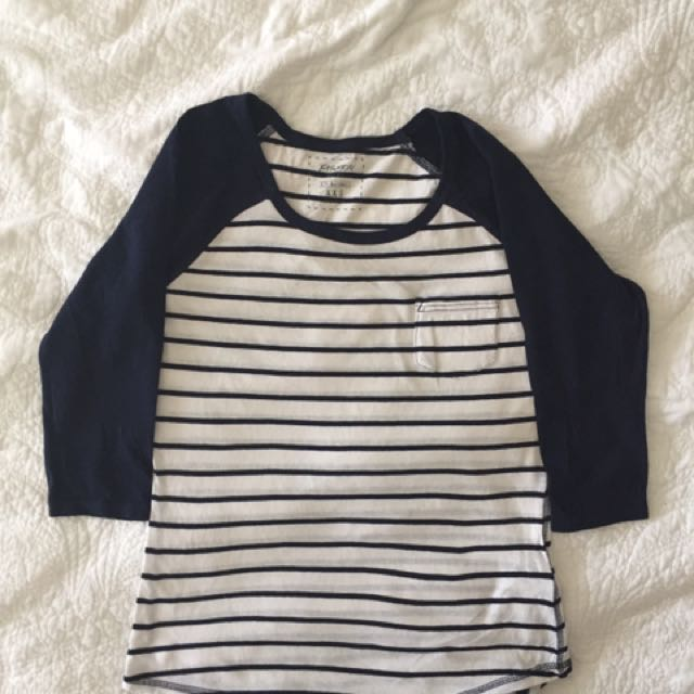 🌻striped 3/4 length top
