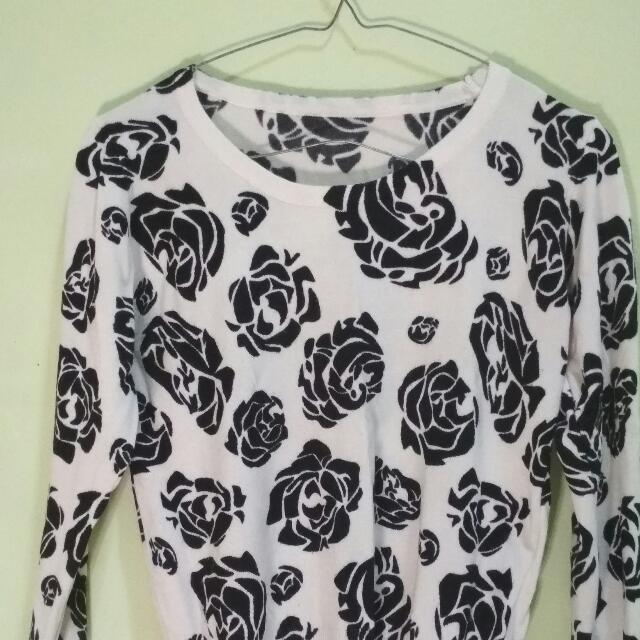 Sweater Bunga Rose