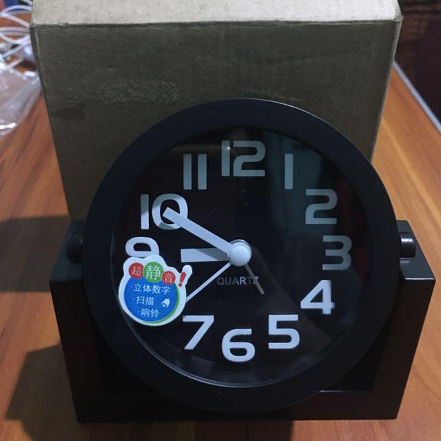 SWIVEL ALARM CLOCK